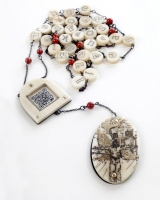 <h5>Tile necklace</h5><p>Tile necklace</p>